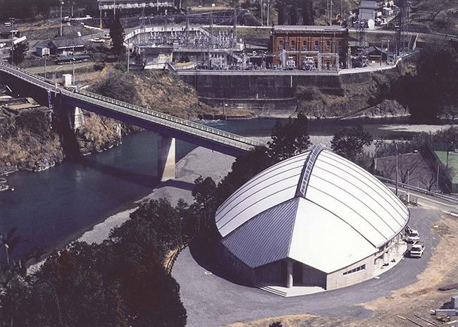 日高川ふれあいドーム