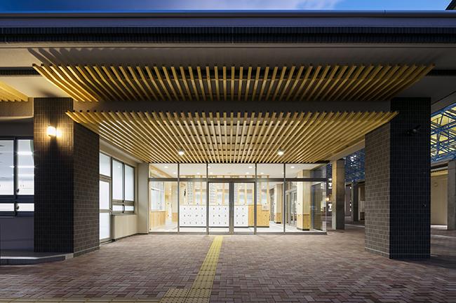 湯川中学校